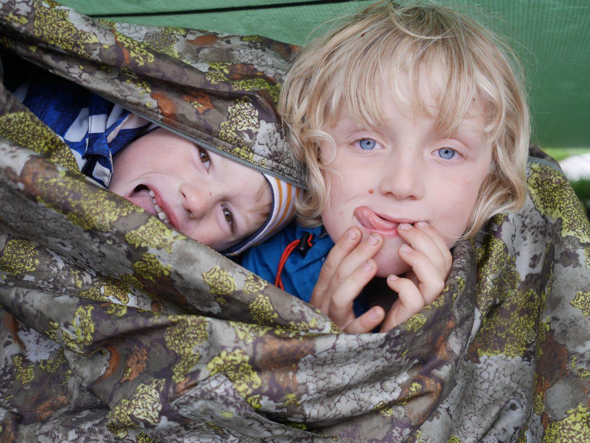 To barn på tur